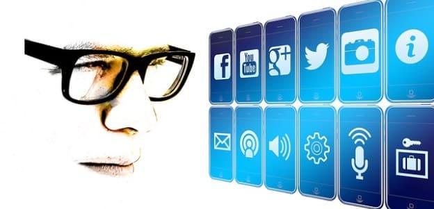 7 Reasons Professionals Should Use Social Media