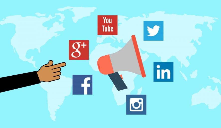 Promoting blog posts through social media